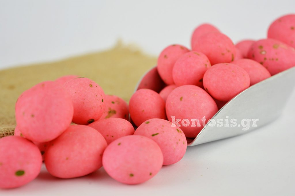 Sweet pebbles Rhodes whole strawberry in syrup & milk chocholate coated with a thin layer of sugar hatzygiannakis